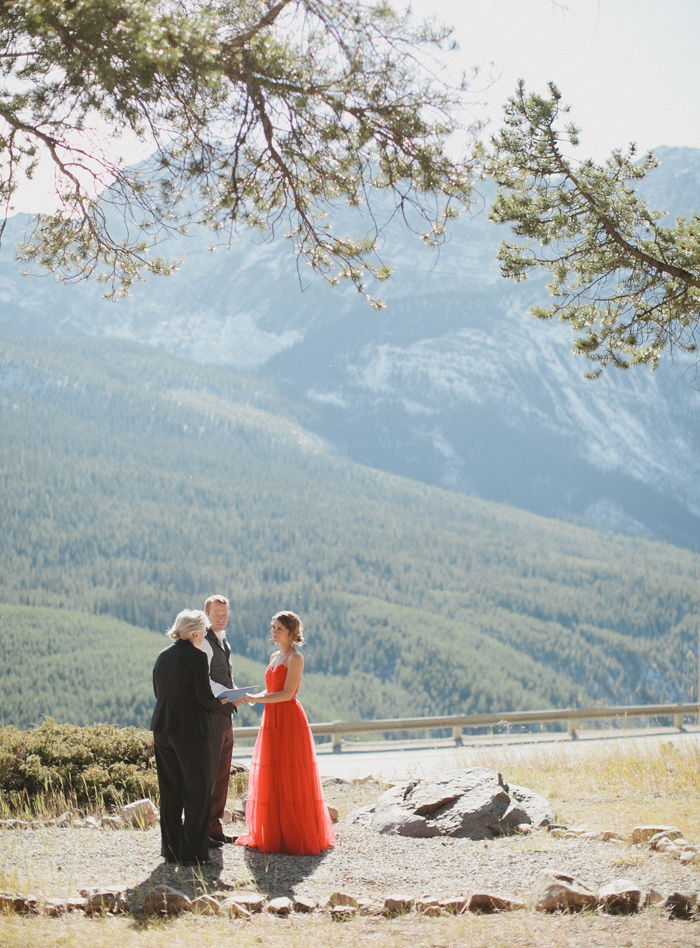 Storm mountain lodge elopement photography location