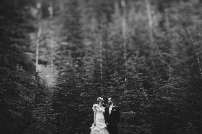 Mountain wedding portraits in the rain